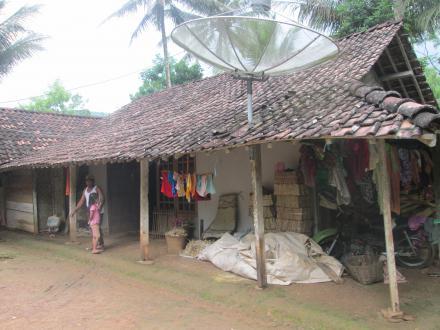 Rumah warga miskin
